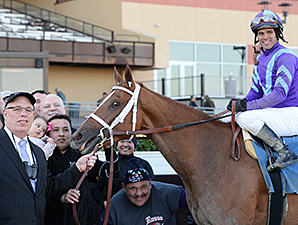 Princess of Sylmar wins the Cat Cay Stakes.