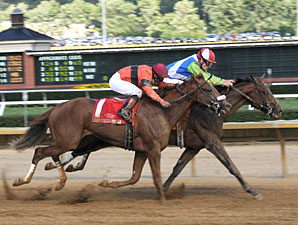 Ready Set (right) holds off Web Gem to win the West Virginia Derby.