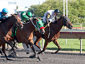 Recount wins the 2014 Arlington-Washington Futurity.
