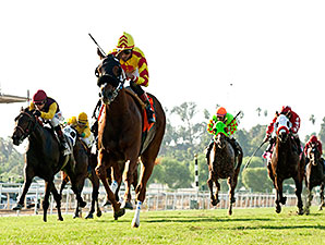 Red Outlaw wins the Uniformity Stakes.