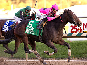 Regal Solo wins the 2010 Maryland Million Classic.