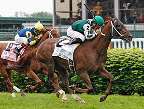 Regally Ready in the Turf Sprint at Churchill Downs.