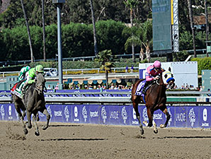 Ria Antonia wins the 2013 Breeders' Cup Juvenile Fillies.
