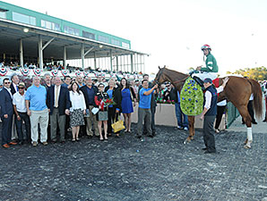Ring Weekend wins the 2014 Tampa Bay Derby.