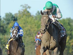 Royal Delta wins the 2011 Alabama.
