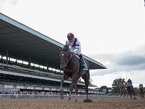 Royal Delta wins the 2012 Beldame.