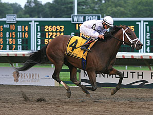 Savvy Supreme wins the 2011 Monmouth Oaks.