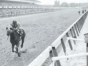 Secretariat wins the 1973 Belmont Stakes.