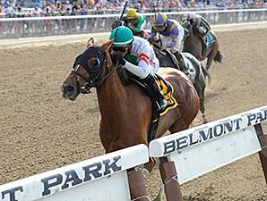 Sheriffa wins the 2015 Critical Eye Stakes.