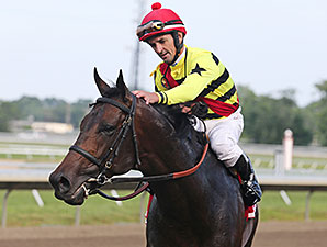 Silver Max wins the Oceanport Stakes.
