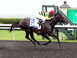 Silver Max wins the 2013 Shadwell Turf Mile.