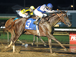 Size Handles Distance, Captures Iowa Oaks