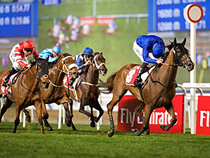 Sky Hunter wins the 2015 Dubai City Of Gold