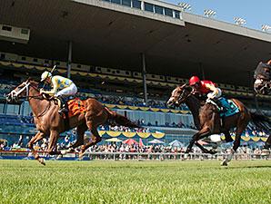 Sky Treasure wins the 2015 Nassau Stakes.