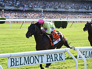 Slumber wins the 2015 Manhattan Stakes