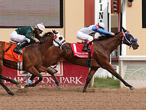 Sticsk Wondergirl wins the Remington Park Oaks.