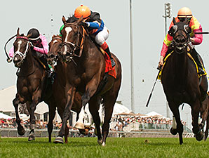 Strut the Course wins the Dance Smartly Stakes.