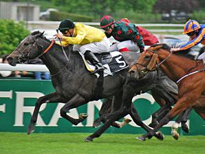Style Vendome wins the Poule d'Essaides Poulains
