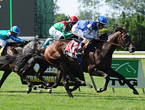 Summer Front Explodes Late, Wins Hill Prince