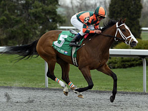Summer Soiree wins the 2011 Bourbonette Oaks.