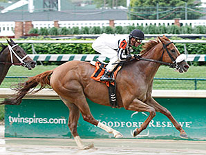 Sweet Cassiopeia wins the 2014 Unbridled Sidney Stakes.