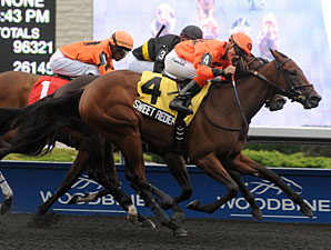 Sweet Redemption wins the 2012 Ontario Debutante.