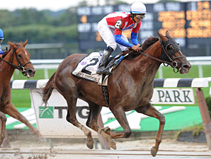 Swift Temper wins the 2009 Ruffian.