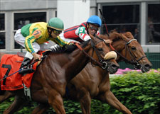 Take The Ribbon Puts Bow on Distaff Turf Mile