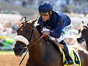 Taris wins the Rancho Bernardo Stakes.