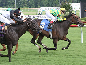 Trophy Collector wins the 2009 Oakley Stakes.