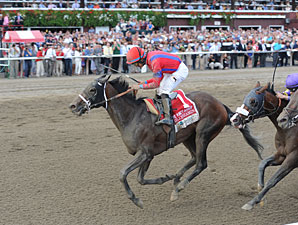 Willy Beamin wins the 2012 King's Bishop.