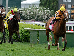 Wise Dan wins the 2013 Woodford Reserve.