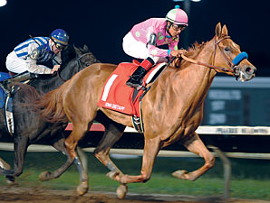 Wynning Ride wins the 2010 Iowa Distaff.