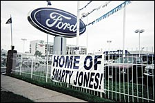 Smarty Replaces Mustang as 'The Big Hoss' at Chapman Ford
