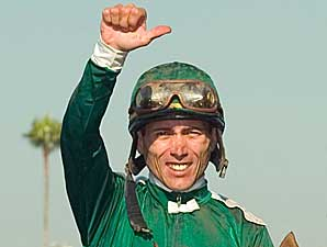 Gomez Wins 70th Stakes, Ties Bailey