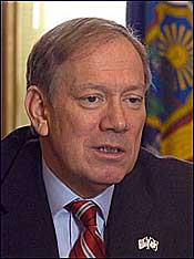 Pataki Offers Last-Ditch Plan to Assist NYRA
