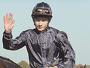 Leading Jockey Battle Ends in Tie