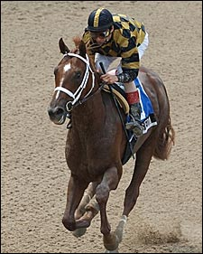 Out of Gwedda Recovers From Poor Start to Win Tremont at 1-9 Odds