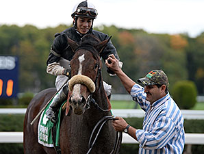 Princess Violet wins the 2014 Empire Distaff Handicap.