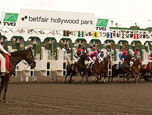 Hollywood Park Wagering Increased