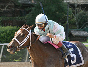 Jones and Saez Pair in DuPont Distaff