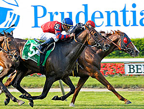 Dancing Forever Wins Thrilling Manhattan
